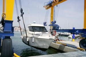 Спуск и подъем катеров на воду